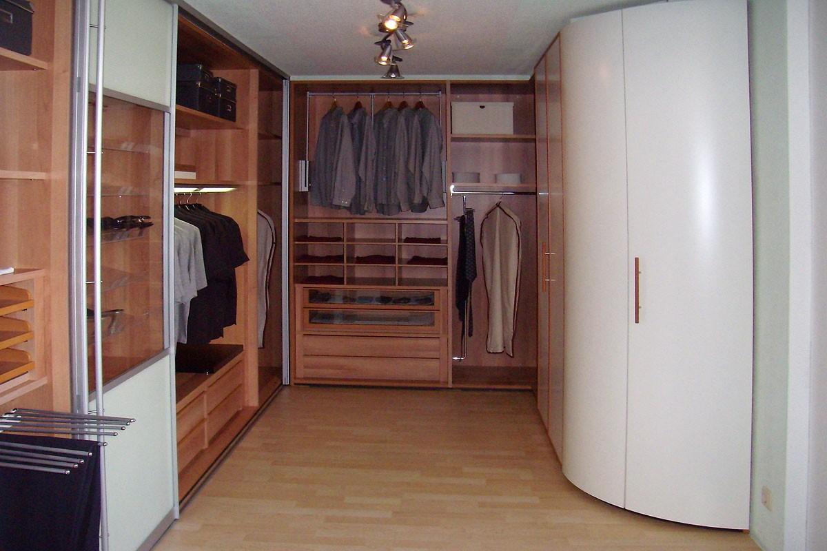 Kleiderschränke, begehbare Schränke und Ankleiden