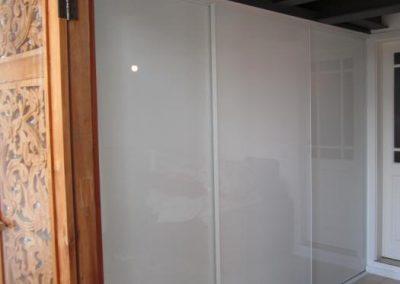 Glas extraweiß in Gleittüren S800