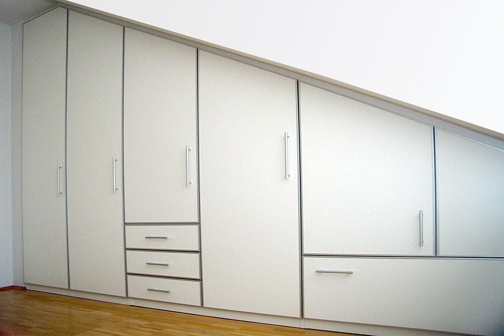 Maßanfertigung von Möbel und Raumelementen für Abschrägungen und Dachschrägen