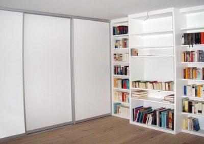 Büromöbel, Empfangsmöbel und Praxismöbel in Großhelfendorf