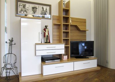 Wohnzimmerregal