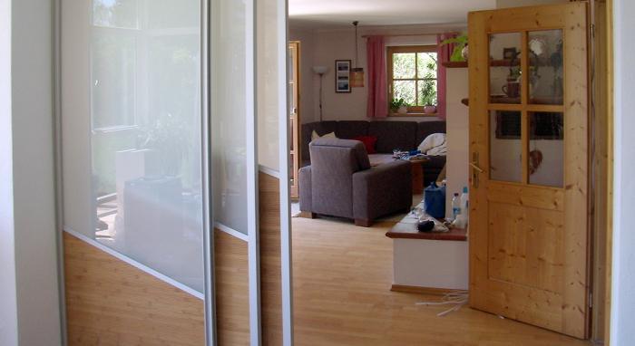 Raumteiler und Gleittüren nach Maß